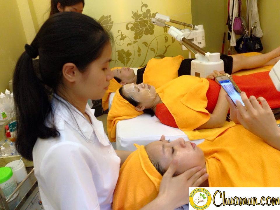 Hướng dẫn cách trị mụn đầu đinh hiệu quả tại nhà