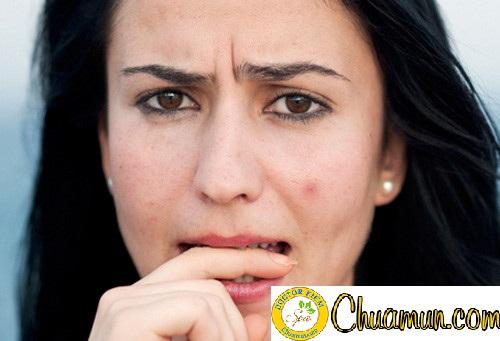 Da mặt bị nổi mụn là do bạn rửa mặt sai cách